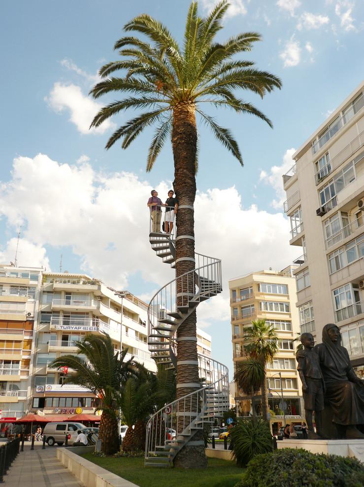 Autour d un arbre.1. 2007 ismir large2