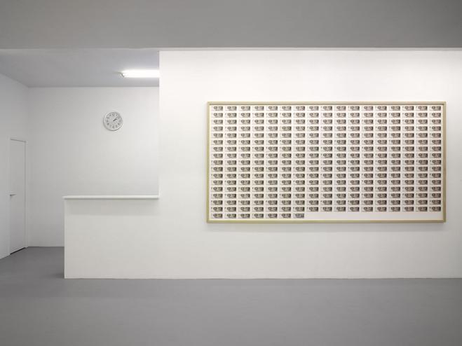 Jens Haaning - Triple V — Rue Louise Weiss