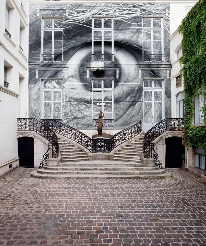 JR - Emmanuel Perrotin Gallery