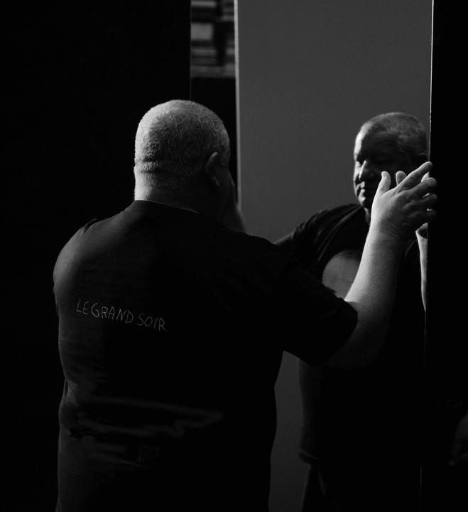 Claude Lévêque—Sous le plus grand chapiteau du monde - Le Louvre