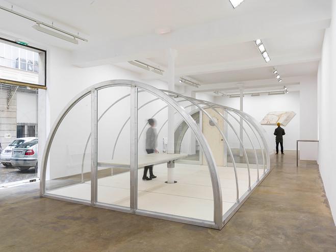 Oscar Tuazon - Galerie Chantal Crousel