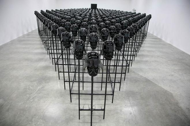 Vue de l'installation au Palais de Tokyo