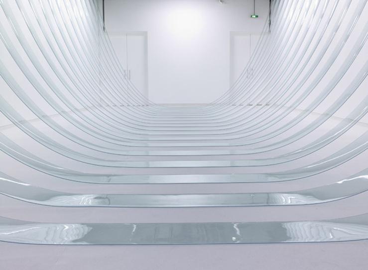 Morgane Tschiember, Swing, 2012—PVC souple, dimensions variables—Vue de l'exposition «SEUILS»—Morgane Tschiember, Fondation d'entreprise Ricard, juin 2012.