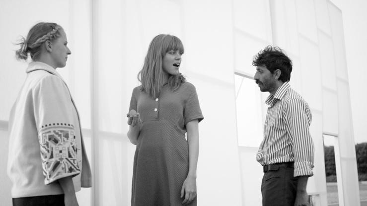 """Ulla von Brandenburg, Die Strasse (La Rue), 2013—Film noir et blanc, 11'20"""""""