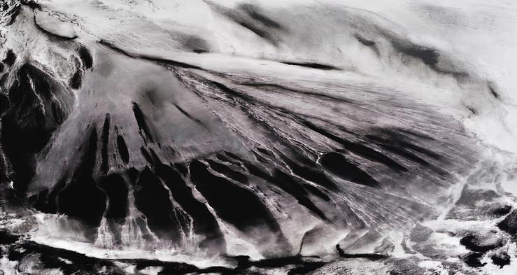 Isabelle Lévénez, Sans-titre, 2013—Mine de plomb sur papier—90 × 135 cm