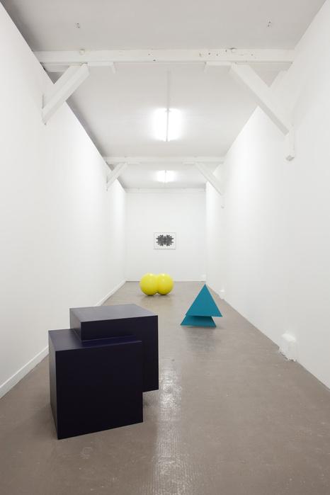 Vue de l'exposition «Déplacer les bornes», Zoo galerie, Nantes, 2012