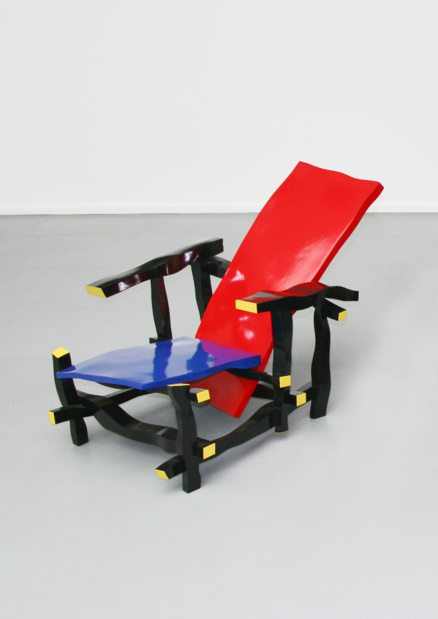 Galerie municipale jean collet deux pieces meublees julien berthier left handed rietveld chair medium