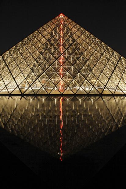 Musee du louvre claude leveque 2014 sous le plus grand chapiteau du monde medium