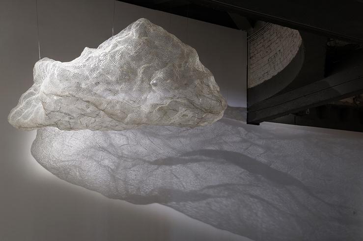 Vue de l'exposition de Tatiana Wolska, 2014, dans le cadre des Modules — Fondation Pierre Bergé — Yves Saint Laurent, en collaboration avec la Villa Arson, Palais de Tokyo (Paris)