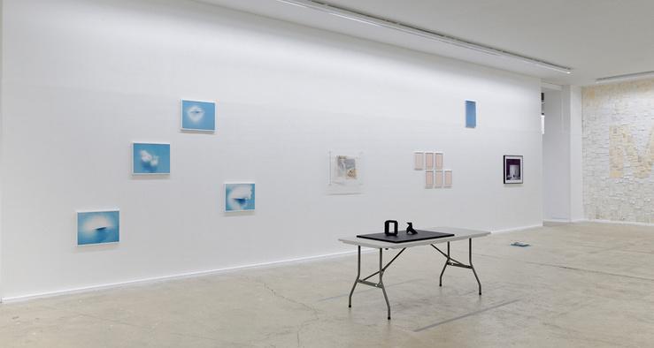 Vue de l'exposition «À l'envers, à l'endroit…» au CPIF, 2014