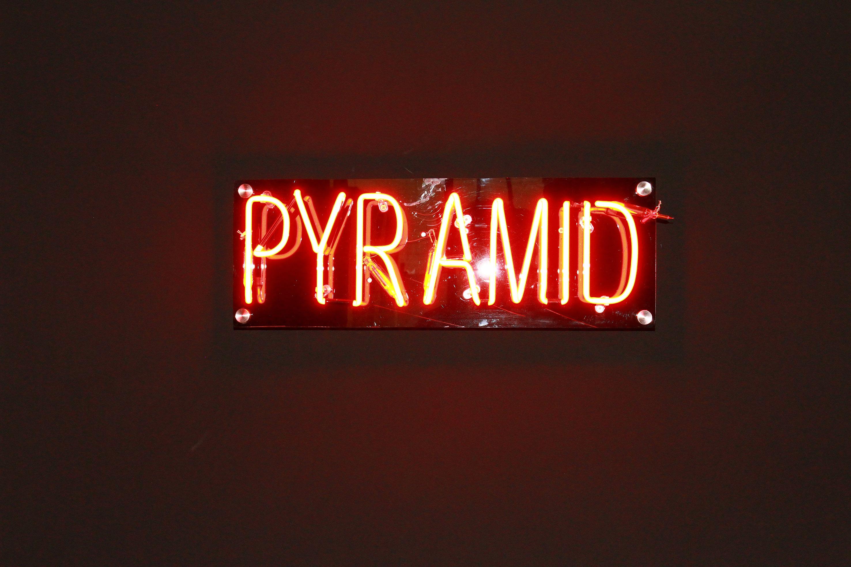 Pyramid pyramid original