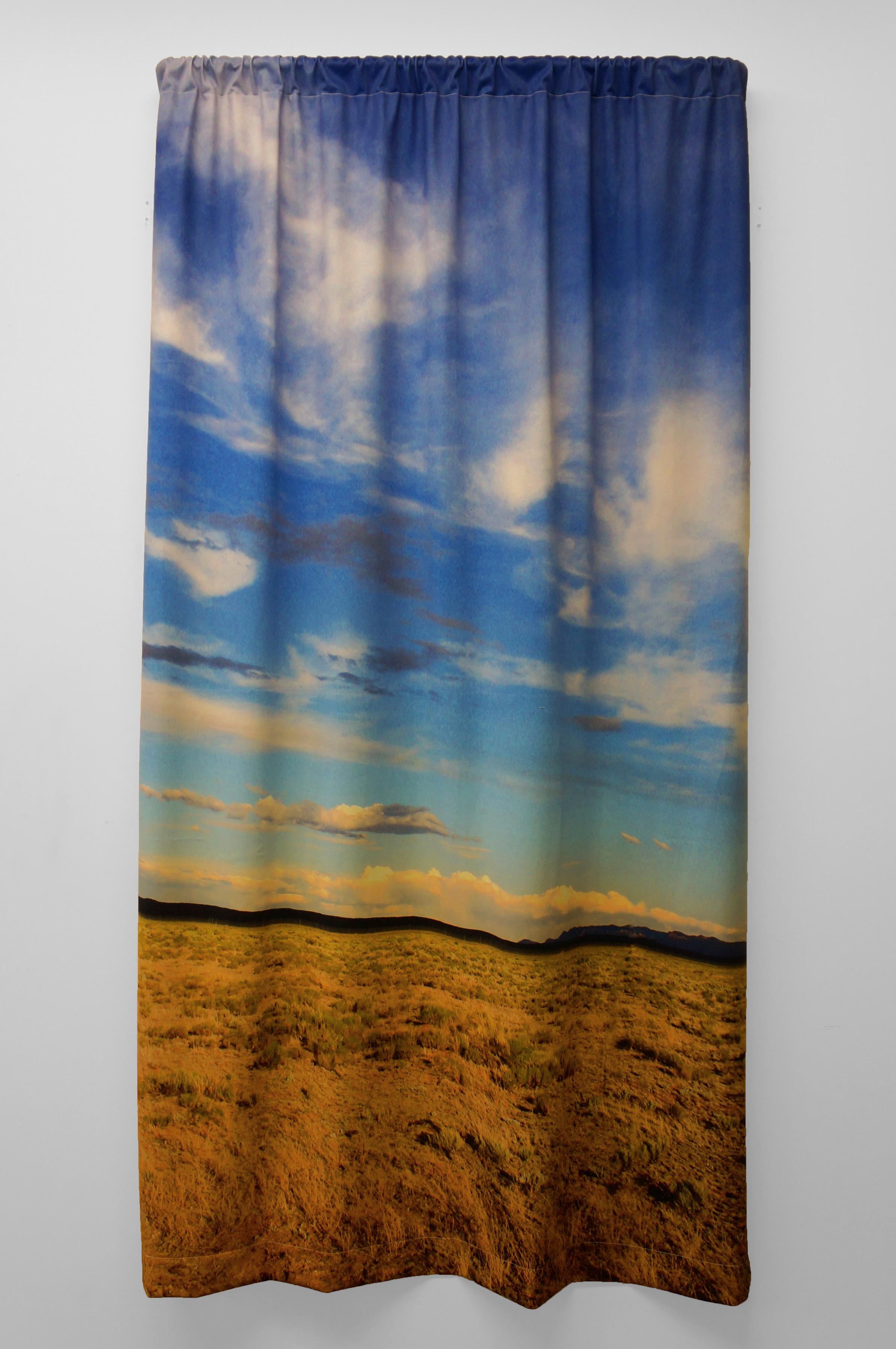 Brian hubble untitled couverture polaire impression jet d encre et m tal 182x121 cm courtesy l artiste et less is more projects original