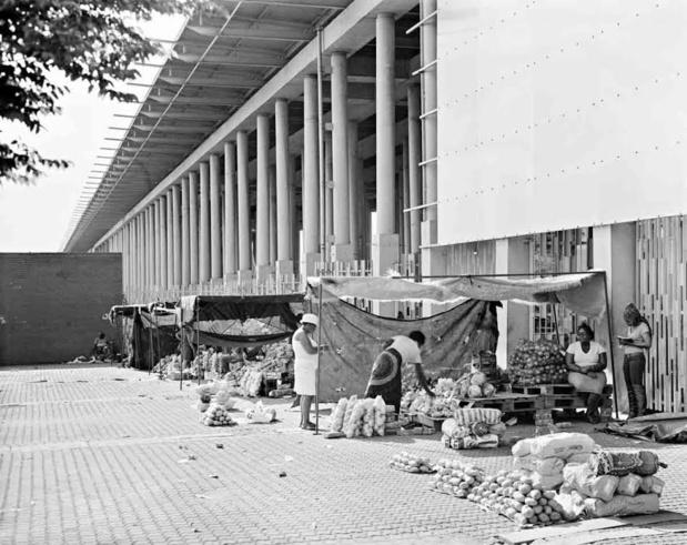 Galerie marian goodman david goldblatt structures of dominion and democracy street traders medium