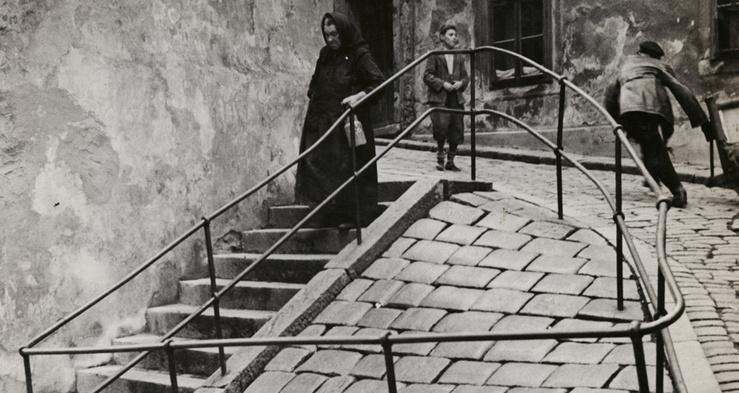 Roman Vishniac, Dans le quartier juif, Bratislava, vers 1935-1938