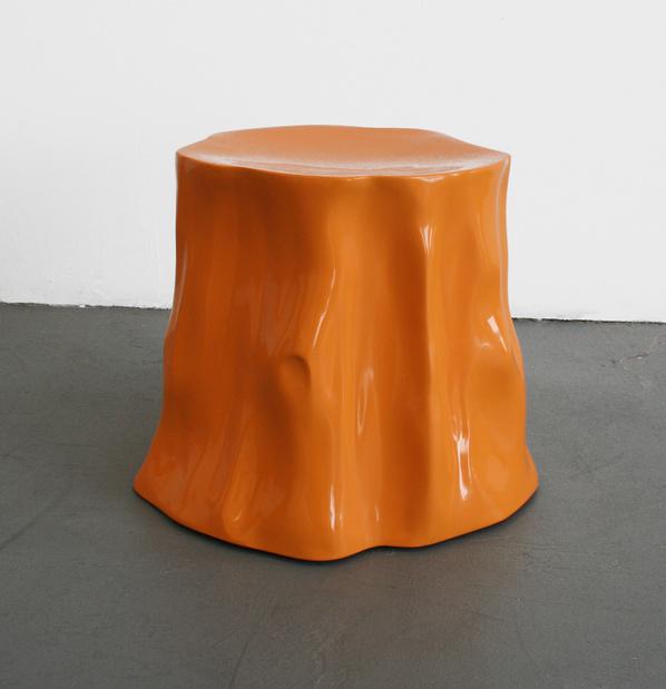Brian hubble ghost bottom fibre de verre et enduit gelifie dimensions variables courtesy l artiste et less is more projects medium