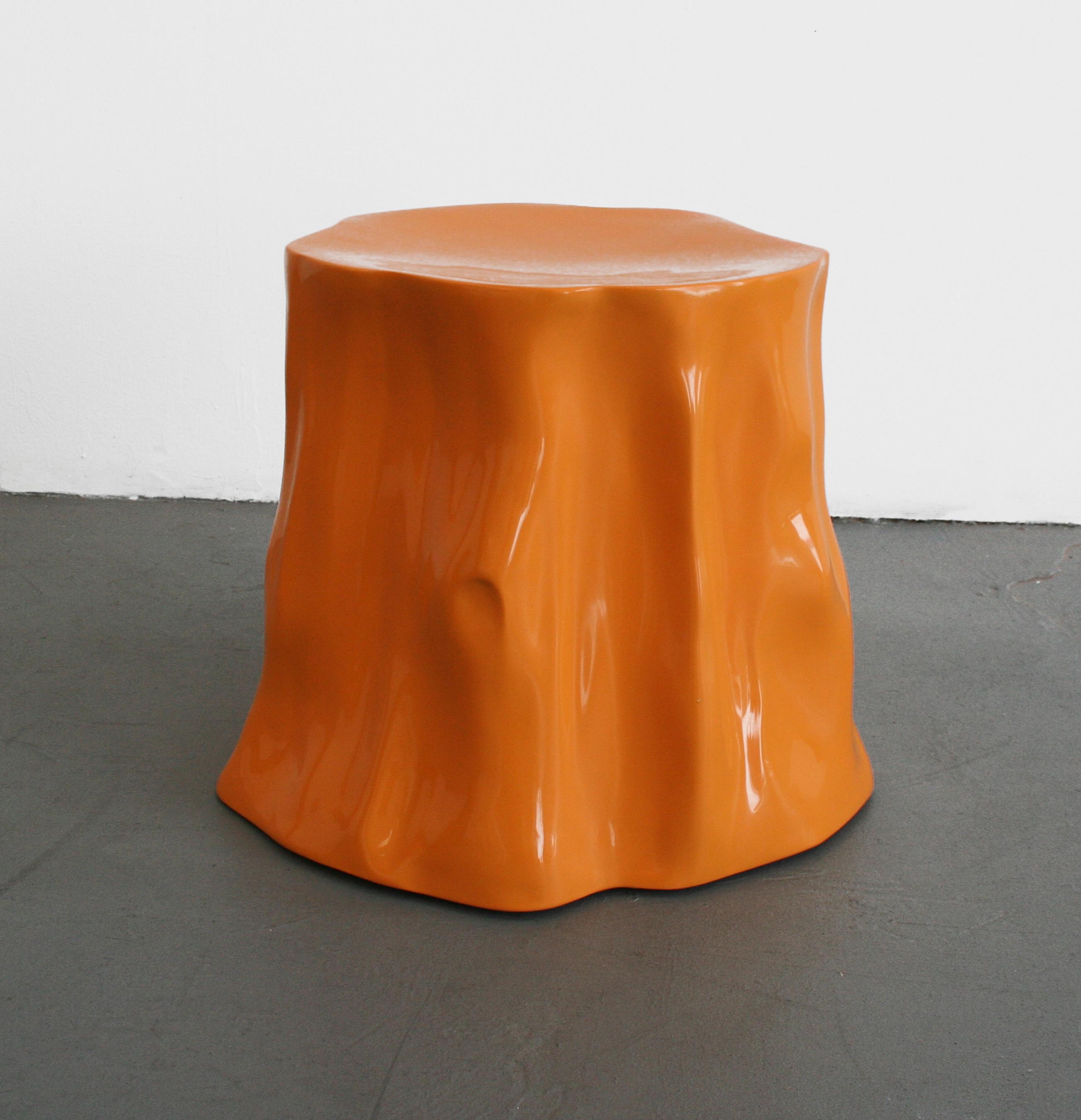Brian hubble ghost bottom fibre de verre et enduit gelifie dimensions variables courtesy l artiste et less is more projects original