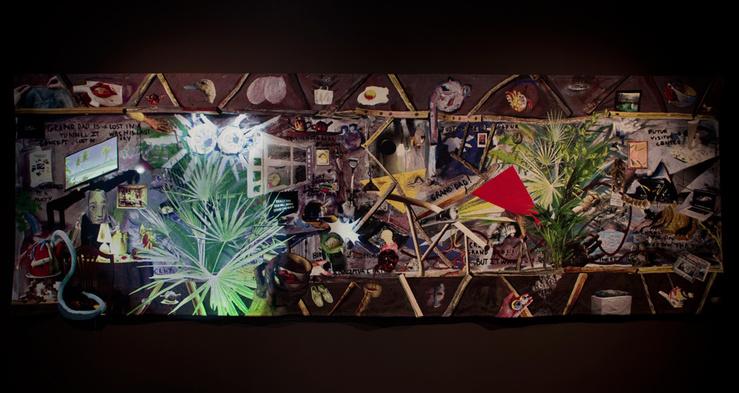 Laure Prouvost, Since he is gone, weaved by Grand Ma, 2014—Tapisserie, bois, son, vidéo (2'24''), lumière, peinture—195 x 580 cm