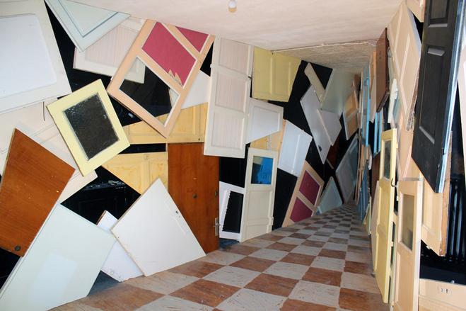 Installation in situ, Wonderland, La Tour 13, 2013