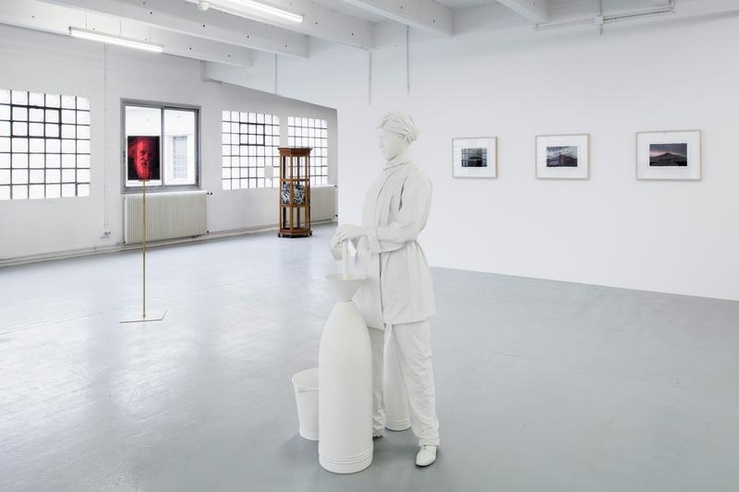 Melik Ohanian, Vue de l'exposition «Stutttering», La Douane, galerie Chantal Crousel, Paris
