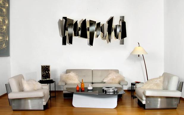 Inside mobilier xxe et xxie pascale guerin myriam for Applique salon design