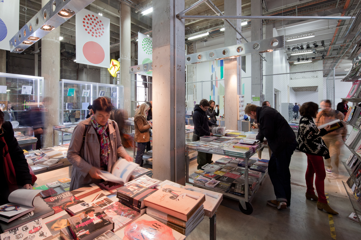Palais de tokoy vue de la librairie 2012 original