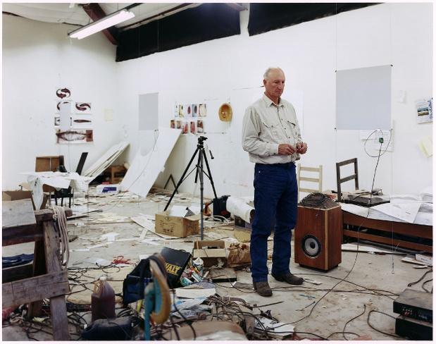 Portrait bruce nauman dans son atelier 2009 jason schmidt medium