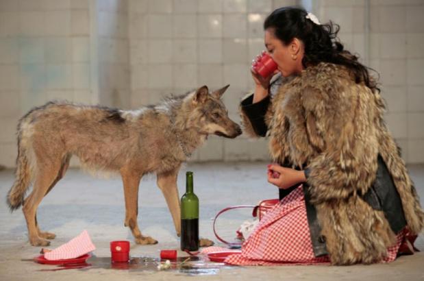 Pilar albarraci n shewolf capture vide o 2006 courtesy galerie gp n vallois paris medium