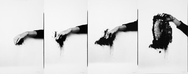 Helena almeida corpus jeu de paume concorde for Art minimal et conceptuel