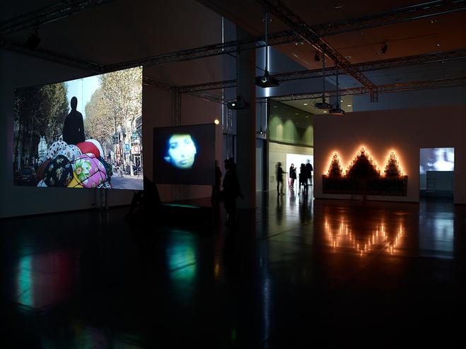 LEffet Vertigo Nouvelle Exposition Des Oeuvres De La Collection MAC VAL Musee Dart Contemporain Du Val Marne Exhibition Slash Paris