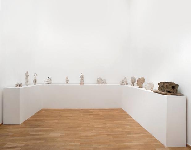 Galerie bernard bouche etienne martin vue exposition medium