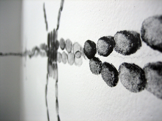 Cantor  2007  chaplet  ink fingerprints on wall  dimensions variable medium