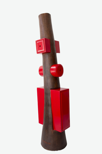 Akaa foire d art contemporain et de design centre sur l afrique demoiselle 187  cabinet rouge  2015  178 by 46 by 42cm  coconut palm trunk  carved  hard wood  lacquered  medium