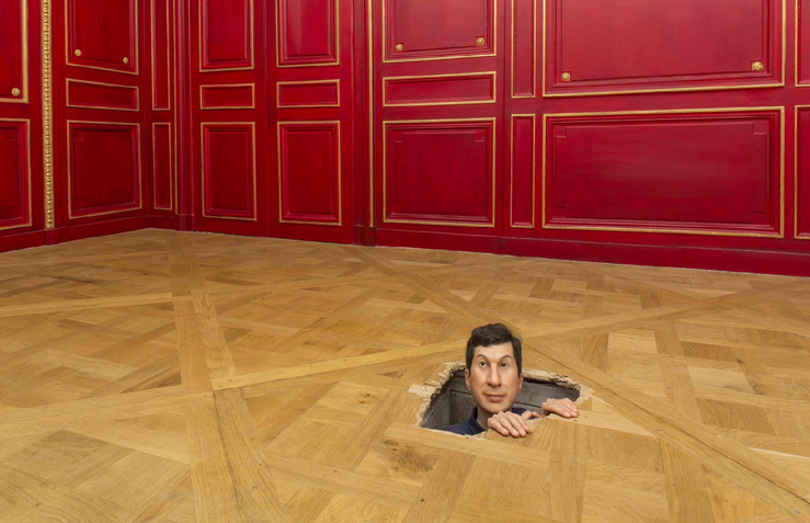 Vue de l'exposition Maurizio Cattelan, Not Afraid of Love à la Monnaie de Paris