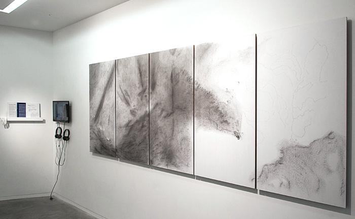 Vue de l'exposition Mapping at Last à la galerie Eric Mouchet, Paris