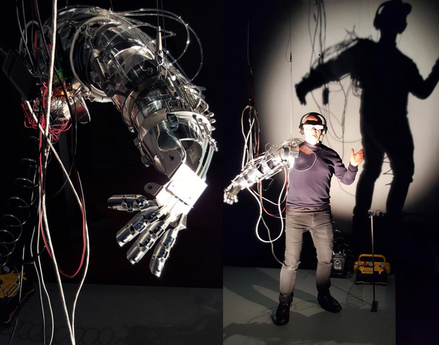 Stelarc re wired re mixed for dismembered body 2016 artistes robots au grand palais event 1 medium