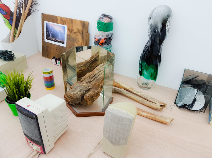 Vue de l'exposition Hendrik Hegray, No Bahnhof, galerie Escougnou-Cetraro, Paris, 2018