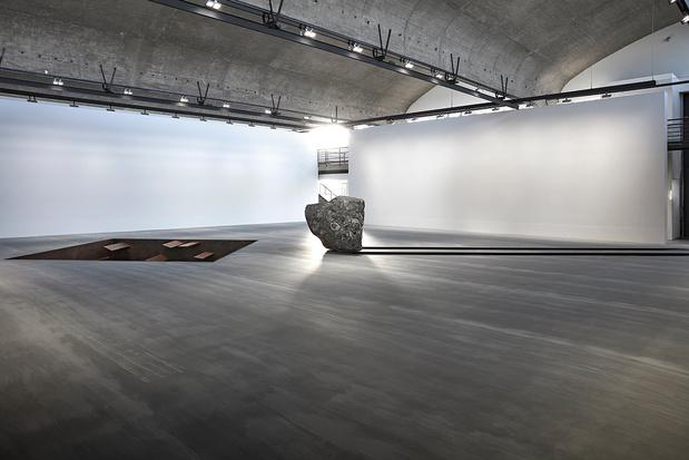 Michael heizer sculpture gagosian04 1 medium