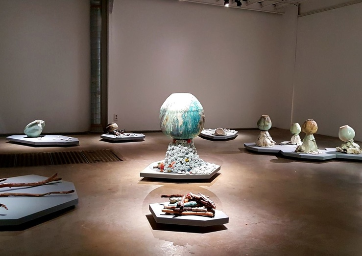 Zhuo Qi, Vue de l'exposition Y'a des jours comme ça, galerie Les filles du calvaire, Paris, 2019