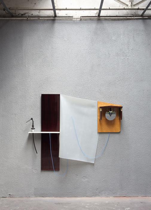 Vue de l'exposition «Beyond Thunderstorm», Le garage, Bagnolet, 2017
