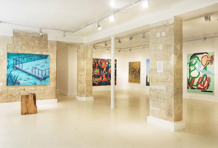 Vue de l'exposition Paris Peinture Plus, galerie MR 14, Paris—De gauche à droite : Lise Stoufflet, Julien des Monstiers, Aurore Pallet, Mario Picardo