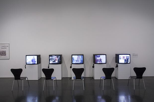Andrea fraser artiste article 1 1 medium