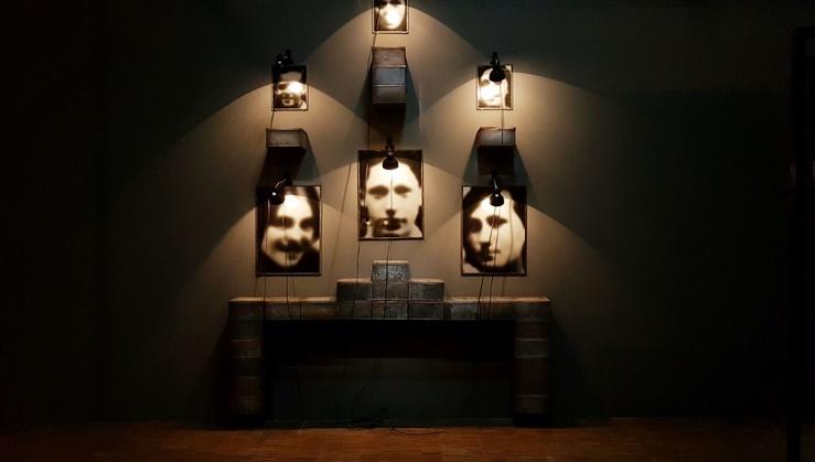 Christian Boltanski, vue de l'exposition Faire son temps au Centre Pompidou, 2019—2020