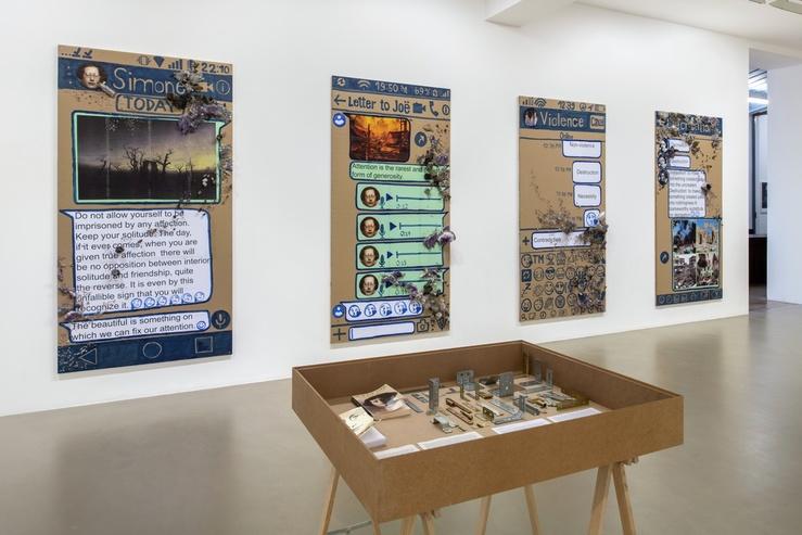 Thomas Hirschhorn, vue de l'exposition Eternal Ruins, 2020