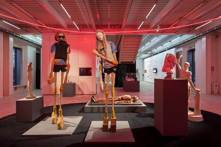 Victor Yudaev, Hélène et Homer ; Hanrahan, l'oeil à l'oeil, la queue d'un chien et plus humble vers, 2019—Courtesy de l'artiste et de la Biennale de Lyon