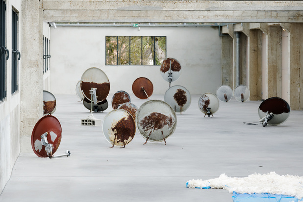 Ouassila arras des histoires d eau vue d exposition photo aurelien mole courtesy les tanneries cac amilly 027 1 medium