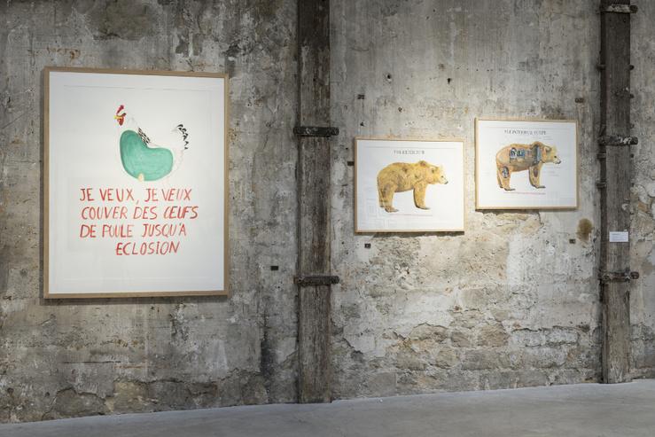 Abraham Poincheval, Vue de l'exposition Humanimalismes à Topographie de l'art, Paris, 2020