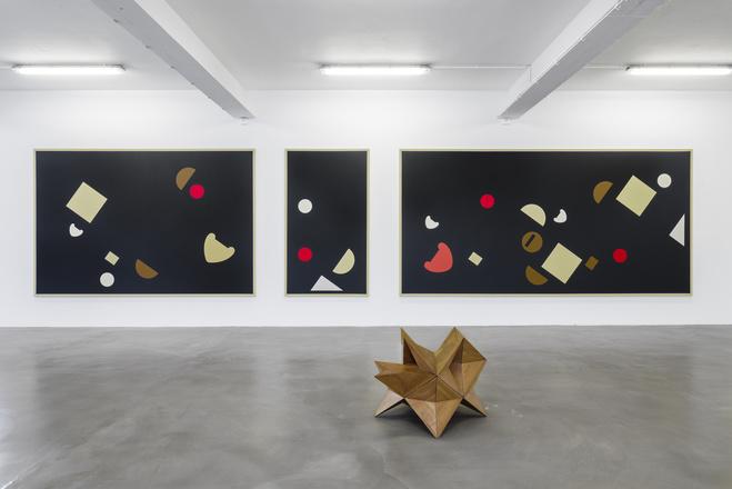 Vue de l'exposition  Raphaël Zarka : Suite Gnomonique