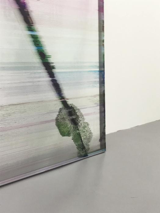 Vue de l'exposition Seuil critique, solo show, Galerie Alain Gutharc, Paris