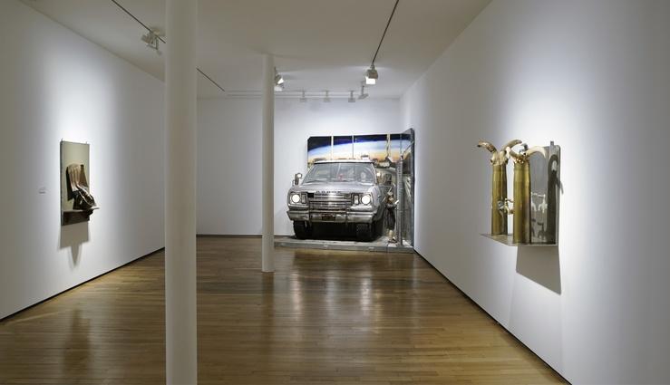Vue de l'exposition Edward & Nancy Kienholz, galerie Templon, Paris