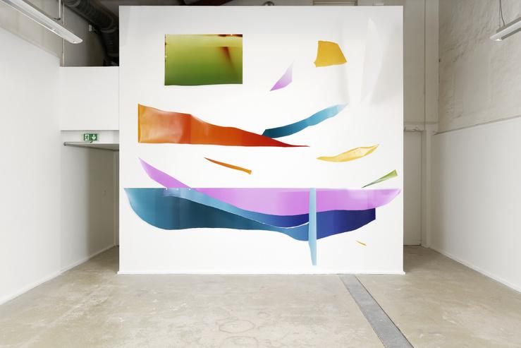 Vue de l'exposition «La Photographie à l'épreuve de l'abstraction», Centre Photographique d'Île-de-France, 2020, Sébastien Reuzé, Fata Morgana, œuvre réalisée in situ au CPIF, 2020